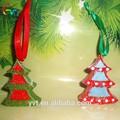 a árvore de natal ornamento de suspensão