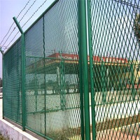 Low carbon galvanized light weight expandable metal wire mesh fencing