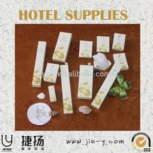 Convenient luxury hotel amenity kit for men High quality convenient luxury hotel amenity kit for men