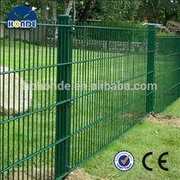 2014 Fashionable Durable Pvc Coated Garden Border Fence