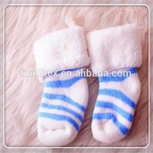 Di cotone a buon mercato all'ingrosso personalizzati calze per bambini usa e getta