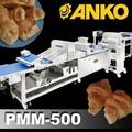 petite échelle anko faisant la machine à pâte feuilletée surgelée