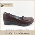 los productos chinos baratos al por mayor de cuero calzado casual