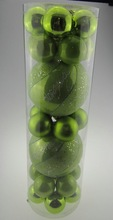 New design apple green plastic hand painted christmas hanging balls