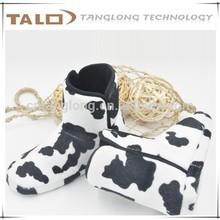 super soft fleece with cow design indoor boots for kids