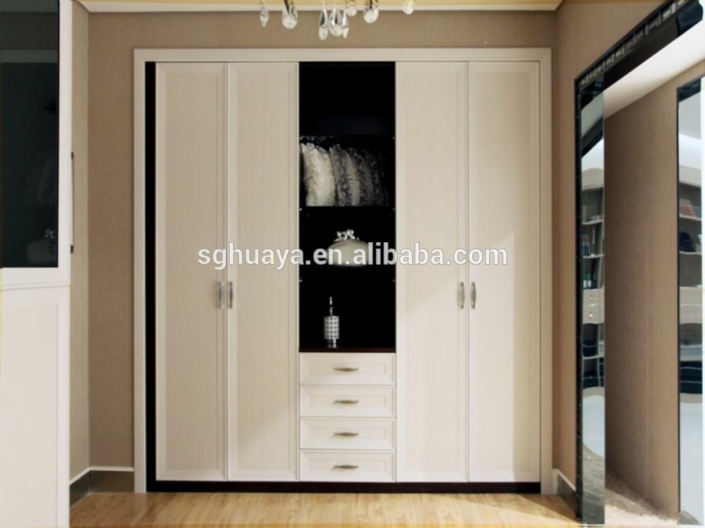 Modern bedroom sliding door wardrobe design children for Bedroom wardrobe door designs photos