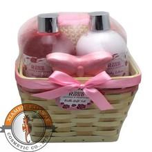 warming family basket bath set toiletry gift set