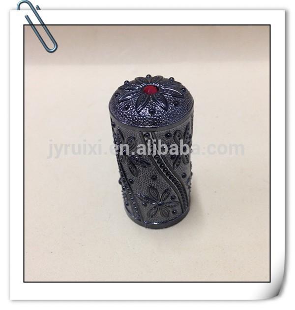Aluminum flower cap for perfume