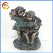 Polyresin statue ornament with two good boy figures