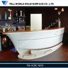 Moderne bateau forme comptoir de bar meubles de maison, Surface solide acrylique