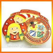 Wholesale custom new arrival 2015 fancy cartoon lapel pin