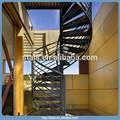 de acero en espiral con escaleras de la puerta de hierro placa de cuadros paso para escaleras de exterior
