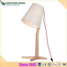 Moda y creativo de dibujos animados lámpara de mesa / escritorio, De madera muebles de la luz