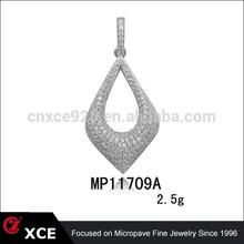 diamond setting aroma pendant