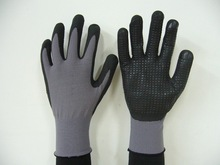 micro foam nitrile coated and dots on palm work gloves