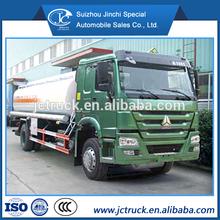 SINO HOWO 4X2 10000L chemical liquid transport truck