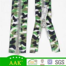 #8 shinny silver teeth zipper Orbital teeth green camouflage tape color fancy zipper garment trading company