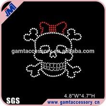 Skull with bow rhinestone transfer motif for apparel