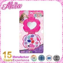 China Manufacturer European Market Small Makeup Set Toy Gift