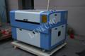 Imagen real LXJ9060 CO2 de grabado láser ( corte ) de la máquina / económico CO2 máquina de corte por láser