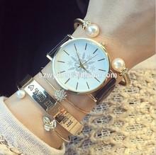 Snowflake Watches 2015 New Design Women White And Black Quartz Analog Watches Manufacturer Supplier Exporter