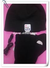 Ski Winter Bluetooth/Skiing Beanie Bluetooth wireless hat with a pair of telefingures gloves