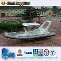 fibra de vidro pequeno barco de pesca