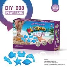 Educational magic sand with plastic models