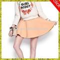 Immagini di ragazze in minigonna, giovani adolescenti camicia gonna