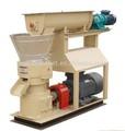 La operación simple uso en el hogar 600-800kg/h salida de alimento de pollo que hace la máquina