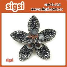 Flower wholesale rhinestone brooch in bulk