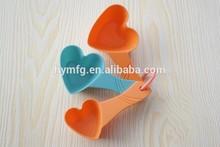3pcs plastic heart shaped measuring spoon set