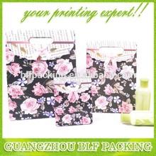 (BLF-PB446) Black paper bag rose printed paper handle bag