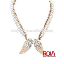 pearl necklace jewelry description