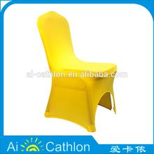 Casamento real rústico Carrefour cadeiras de plástico