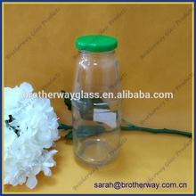 370ml empty embossed juice glass bottle with green metal twist off cap