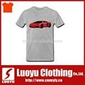 красная машина футболки дизайна