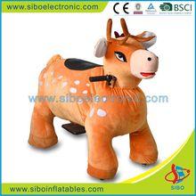 GM5954 Amusement park rides plush toy walking plush giraffe for sale