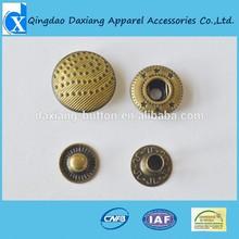 2012 hot selling High quantity custom design Embossed metal snaps