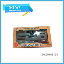 Classic Design 1:6 Die Cast Metal Toy Gun Model