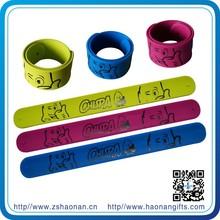 2015China online selling Valentine's day party promotional slap on bracelets