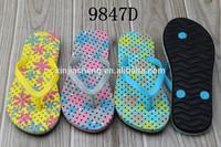2015 all ladies footwear design beach flip flops girl nude beach slippers