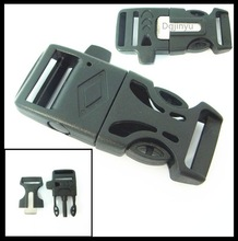 Dgjinyu wholesale side release Flint buckle with whistle,paracord flint fire starter buckle with whistle