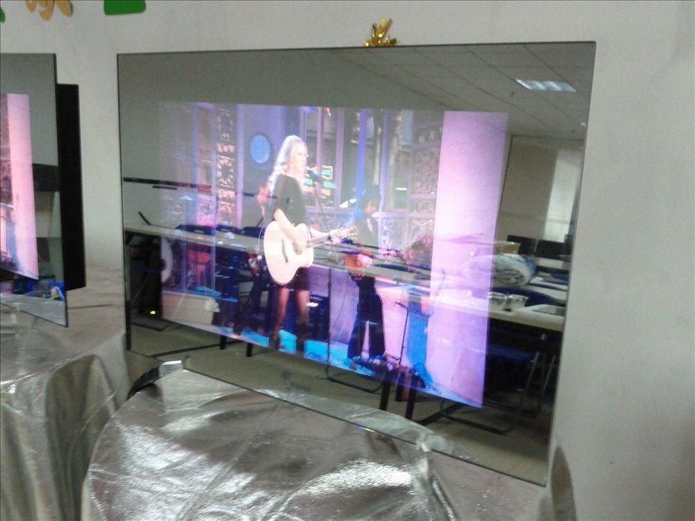 Full hd smart tv miroir tanche salle de bains haut de for Miroir miroir full movie