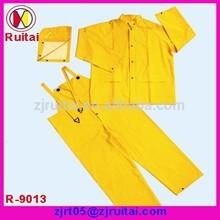 PVC/polyester two piece rain wear