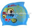 2015 nuevo diseño a prueba de agua de silicona divertido gorro de natación para niños