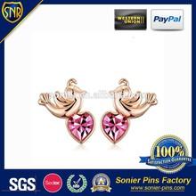 2015 Custom heart pink gem and golden earrings for GF