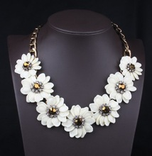girl friendship gold filled white color flower necklace