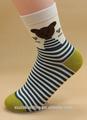 oso de dibujos animados up y rayas negro la parte de abajo de espesor encantadora chica calcetín