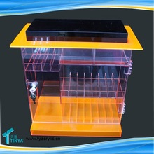 2015 New Product Acrylic Showcase Hinged Door Cigarettes Shelf
